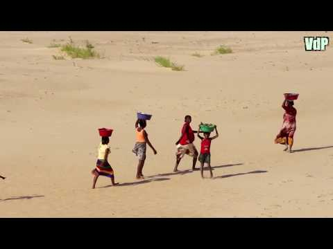 Madagascar: travel video guide:nature, transport, gold searchers