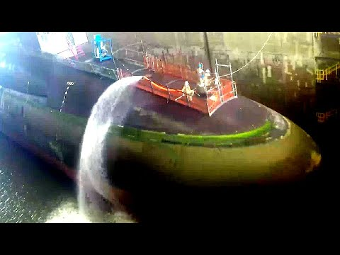 United States Navy OHIO-CLASS nuclear-powered BALLISTIC MISSILE SUBMARINE enters DRY DOCK!