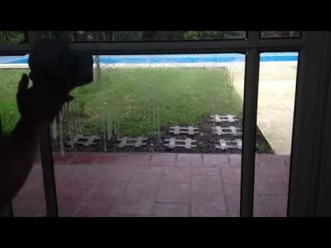 C mo limpiar los vidrios cristales limpios youtube - Como limpiar los vidrios ...
