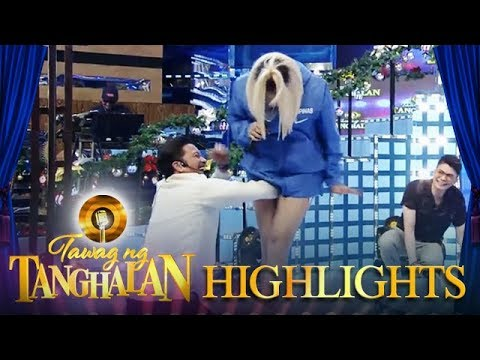 Tawag Ng Tanghalan: Vice tucks Jhong's arms in his legs