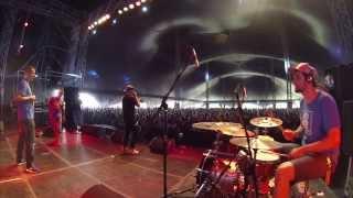 Vec & Škrupo & Champion Sound - Manana (Live Pohoda 2013)