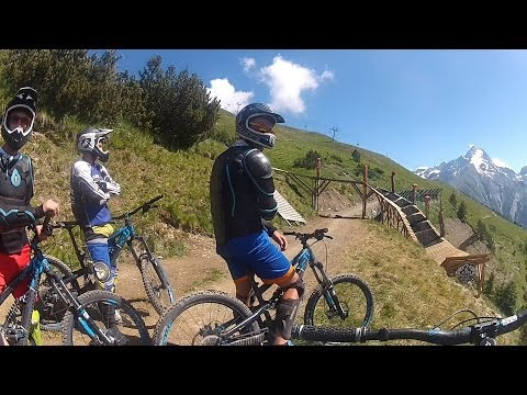 Downhill LES 2 ALPES 2013 + crash [FULL HD1080p]