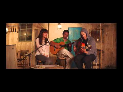 "Natalia de  Molina canta ""Strawberry Fields Forever"" con Javier Cámara"