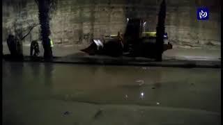 غرق محال ومركبات بمياه الأمطار في محافظة الزرقاء - (5-3-2019)