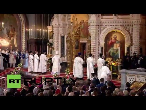Russia: Putin, Medvedev attend Orthodox Easter Mass in Moscow