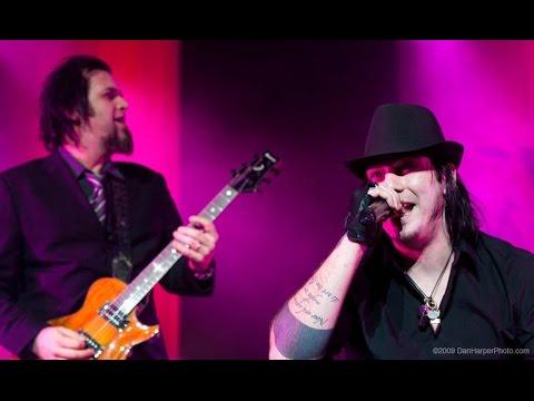 Three Days Grace Live Show @ Université de Montréal CEPSUM, Montreal, QC, 21/12/2009