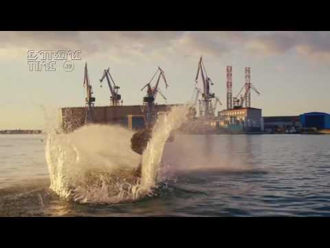 Extreme Time TV : Wakeboarding With a Massive Harbor Crane as a Tow Cable