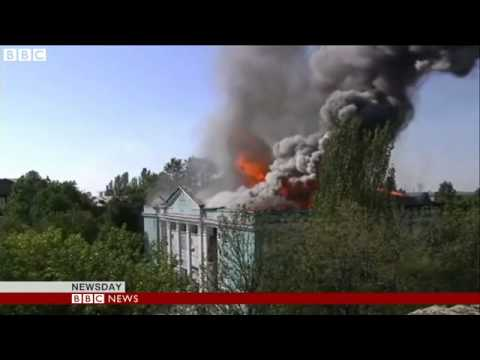 Ukraine crisis: Pro-Russian rebels advance into key port