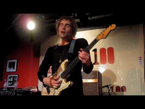 """Philip Sayce - Slow Blues """"As The Years Go Passing By"""" - 100 Club - MAY 2010"""