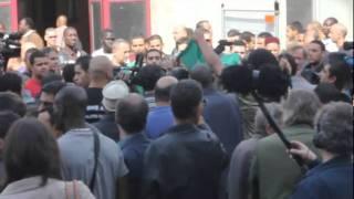 Vidéo-choc ! Appels à la haine en plein Paris lors de la prière interdite du 16 septembre 2011 ! thumbnail