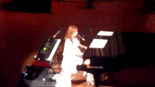 Tori Amos - Carry (The Orpheum Theatre, Los Angeles CA 12/18/11)