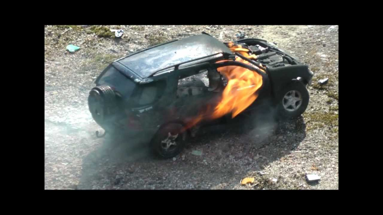 Lithium Ion Car Battery >> Lithium-ion battery exploding in a model car - YouTube