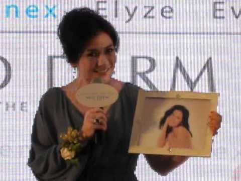 Cherie Chung at Neo Derm Event, HK, 02 April 2012 -3
