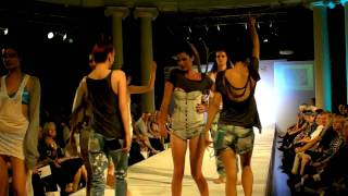 Whitehouse Runway Graduates show at Byron kennedy hall 2009 Thumbnail
