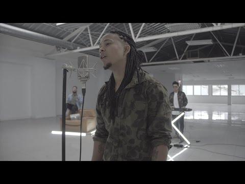 DCS feat Marta Escoda - Desconocidos (Oficial Video)