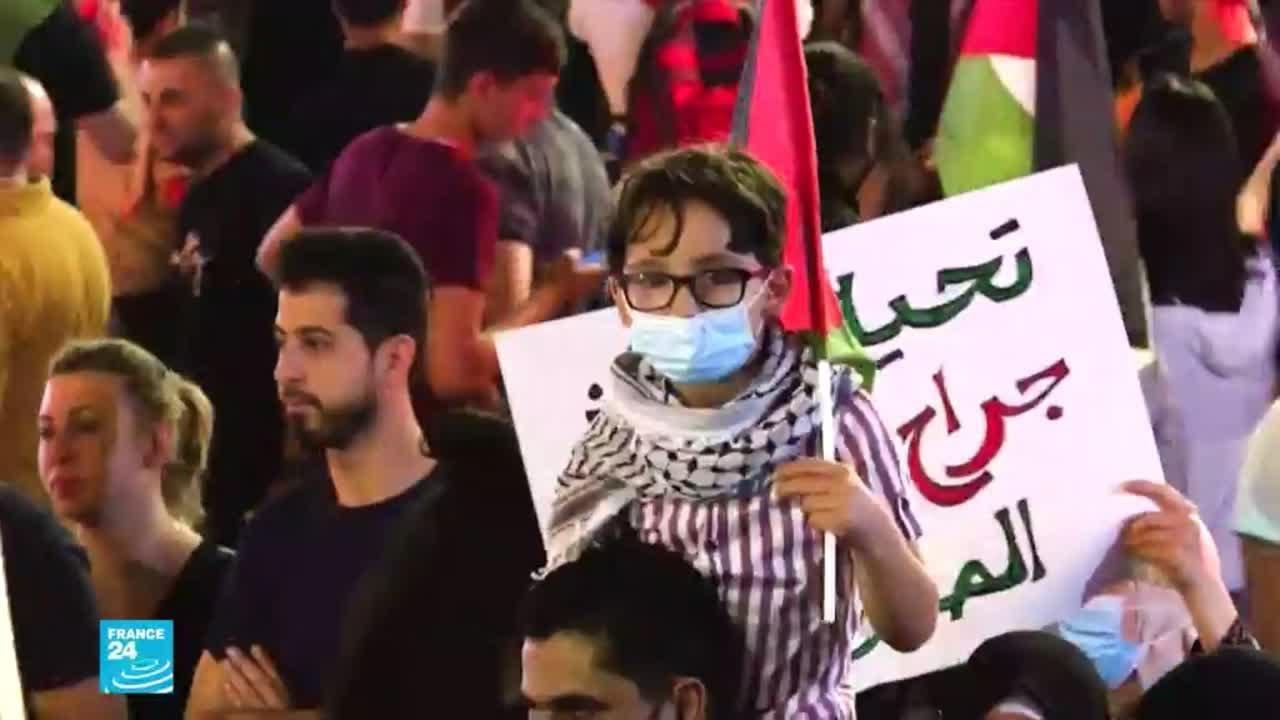 تجدد المواجهات -العنيفة- في باحات المسجد الأقصى  - 19:00-2021 / 5 / 10