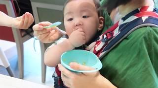 揹巾實戰技巧 第21招~解鎖:神奇側揹,在外用餐沒煩惱!