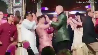 Hilary Clinton John Kerry DANCING with Shahrukh Khan at Bollywood wedding
