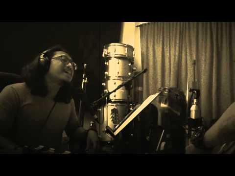 Klutz Akustika - Panggung Sandiwara (God Bless Cover)