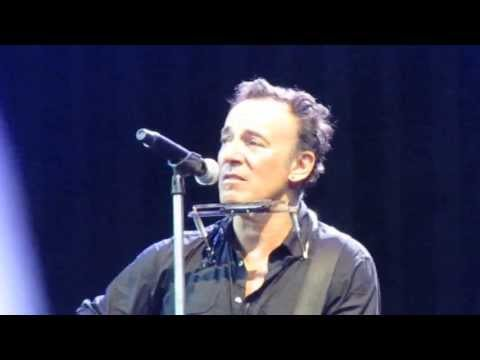 Bruce Springsteen  Thunder Road   acoustic, Paris, 29 June 2013