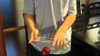Демонстрация ёё трюка хоп(Небольшой видео урок по исполнению йо-йо трюка хоп. Посмотреть другие уроки и купить йо-йо можно по адресу..., 2012-02-17T11:47:12.000Z)