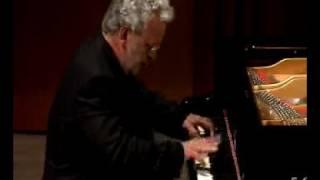 Claudio Crismani plays Franz Liszt, Csardas Macabre 2