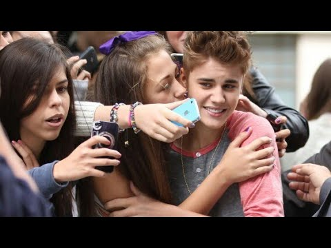 Justin Bieber Kissing  And Flirting With Lucky Girls (subbot Linm In Description)