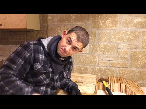 pallet-wood-projects---how-to-break-down-a-pallet-for-diy-ideas