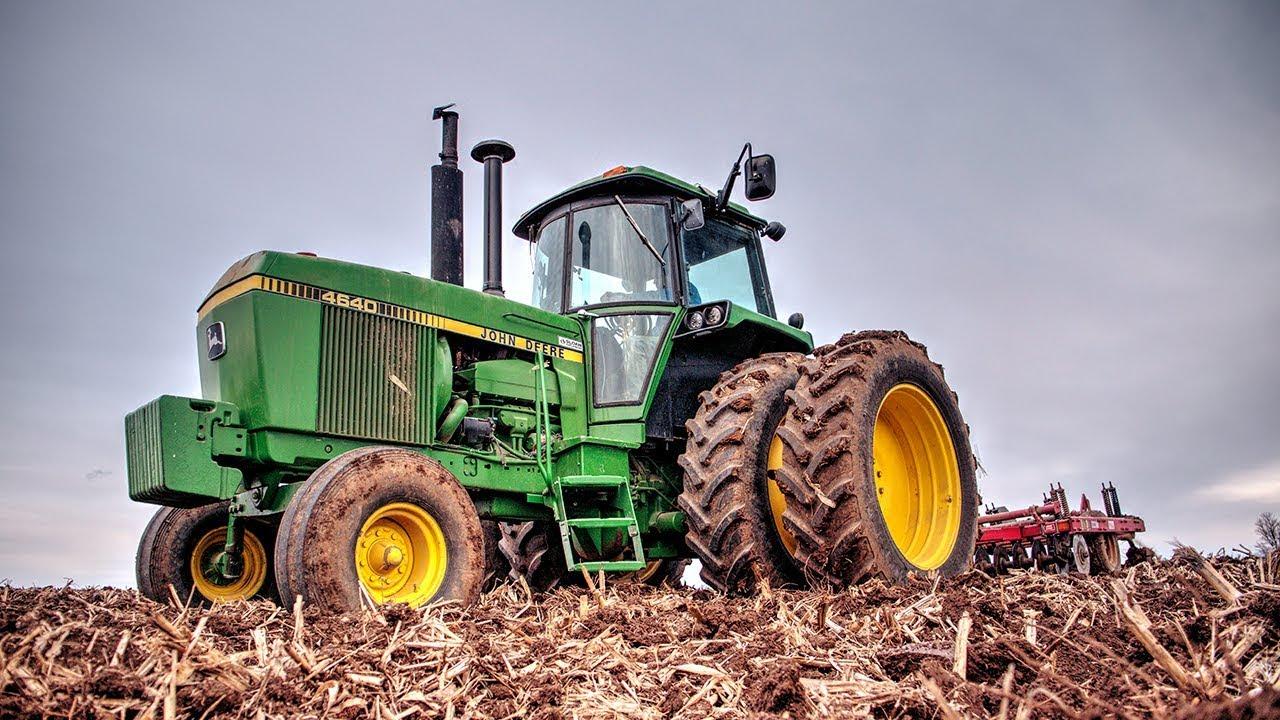 Chisel Plowing Begins! | John Deere 4640 - YouTube