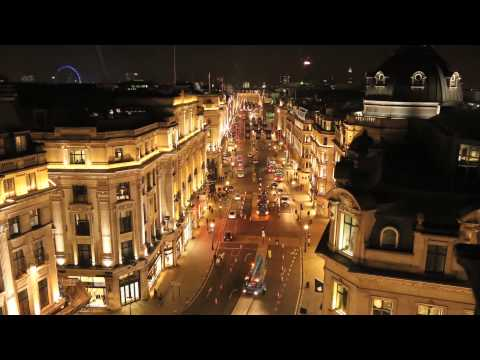 Regent Street - Regent Street Time-lapse of NFL Flags Installation 2013