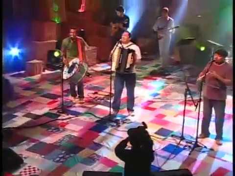 Assista: Trio Virgulino - Só Vi a Faca Voá - DVD 26 Anos