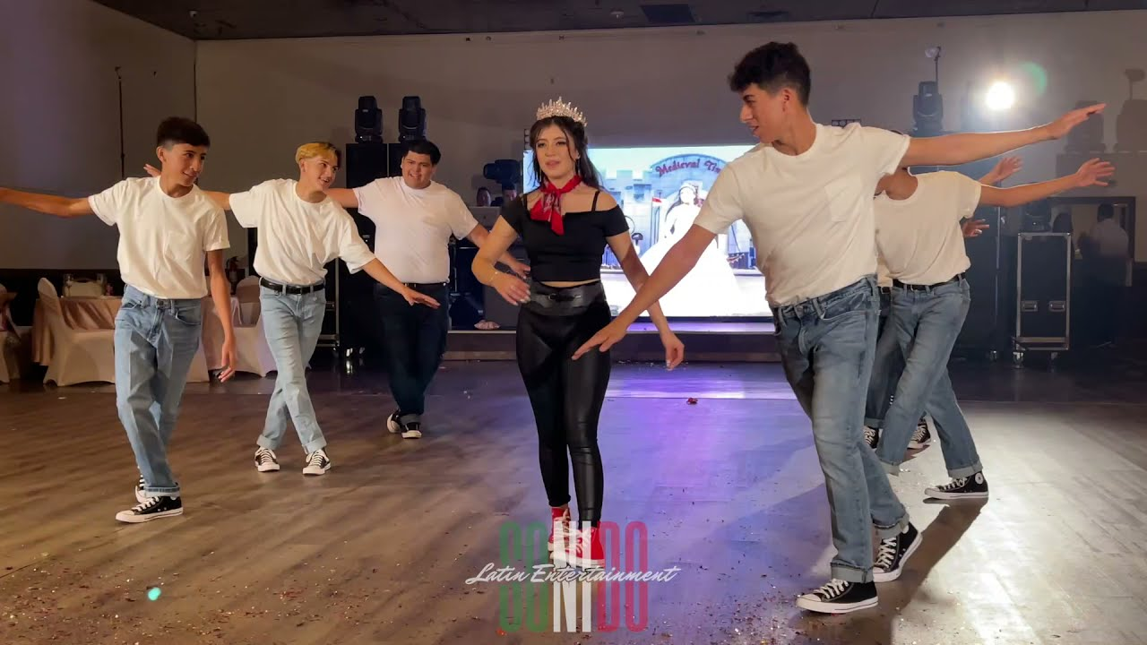 Baile Sorpresa de La Princesa Alexa y sus Chambelanes