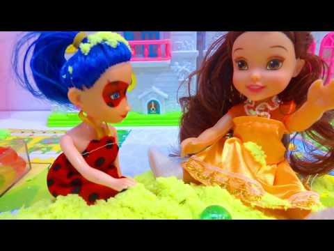 حلقة سنفور ونورا لعبوا مع جنى بالأوربيز والرمل السحري