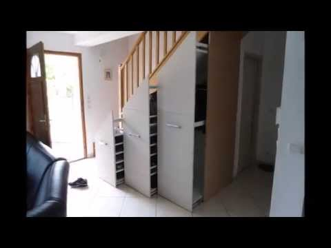 comment faire un placard sous un escalier funnydog tv. Black Bedroom Furniture Sets. Home Design Ideas