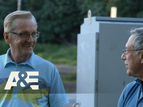 Donnie Loves Jenny: Bonus Scene - Male Bonding (Season 2, Episode 5) | A&E