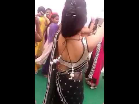 Loadmaza comBeautiful Desi Girl in Saree Dance on a Haryanvi SongLoadmaza com