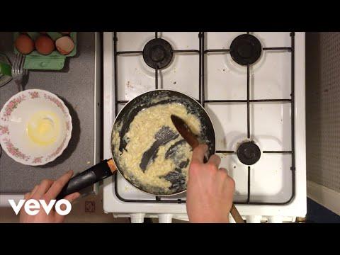 EAT FAST - Scrambled Egg
