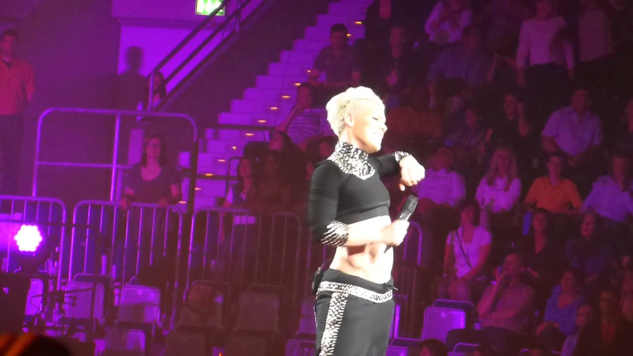 Download Pink The Truth About Love Tour Mannheim Leave Me Alone (I'm Lonely)
