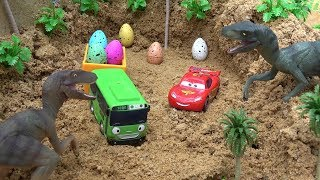 Lightning Mcqueen and Tayo Bus steal Eggs of the angry dinosaur Videos BIBO TOYS