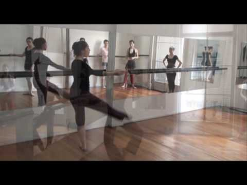 Clase de ballet para adultos 2 ballet lesson for adults for Accesorio de dormitorio para adultos