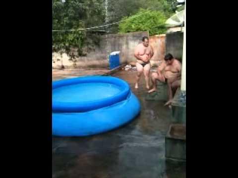 Campeonato de salto ornamental em piscina de pl stico - Piscinas de plastico ...