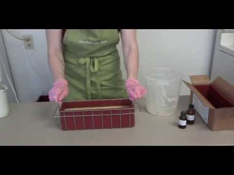 New Soap Mold Baskets & Making a Swirled soap with Bonnie's Triple Butter Soap Kit.