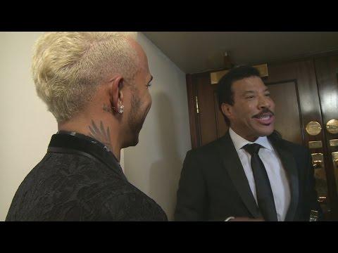 Lionel Richie teaches Lewis Hamilton the three chord trick