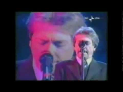 Nino D'Angelo-'A Storia e Nisciuno [Live Sanremo 2003]