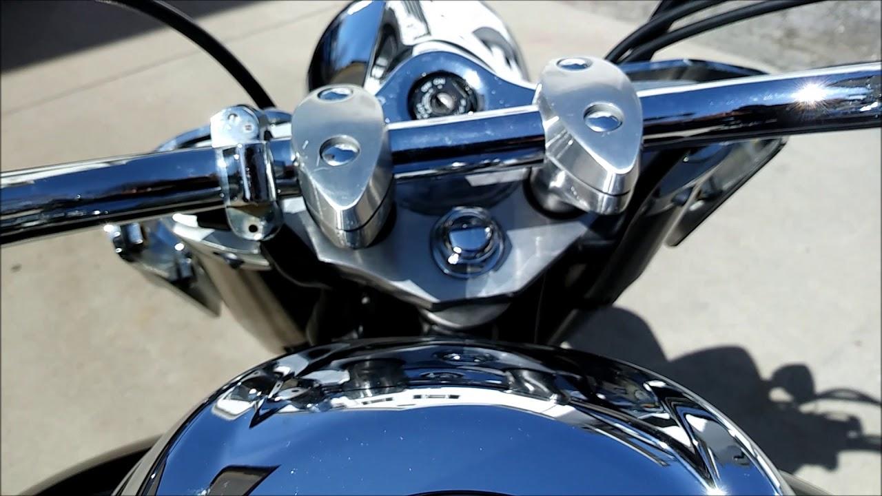 Yamaha V Star 950 Tourer (2011) Review