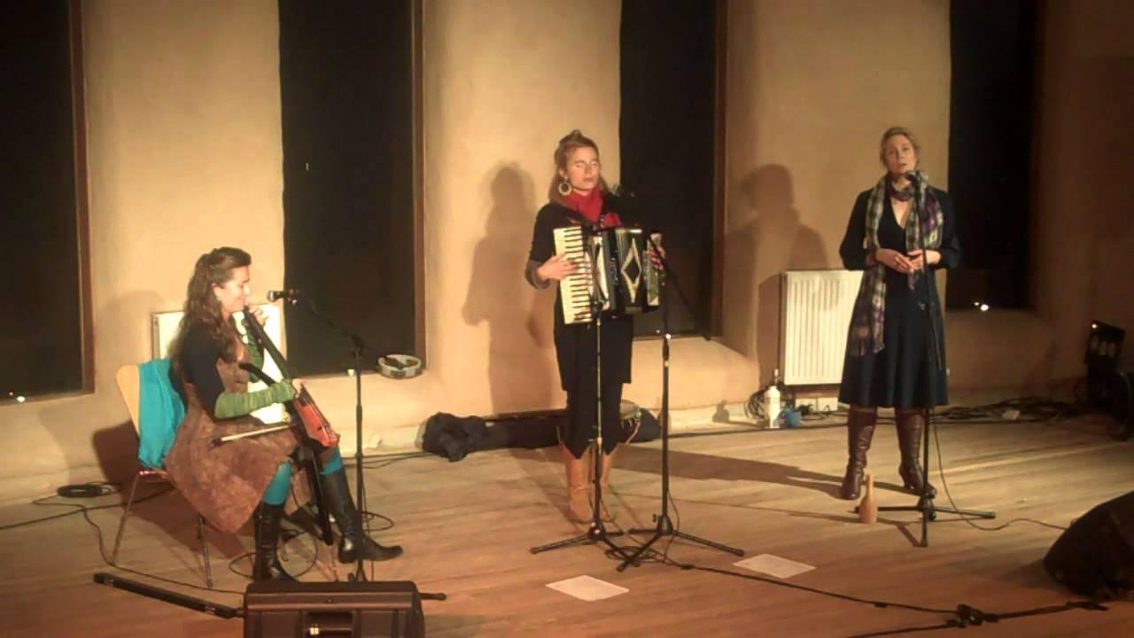 moira smiley & VOCO Visa Fran Jarna / Garden Hymn : live Australia ...