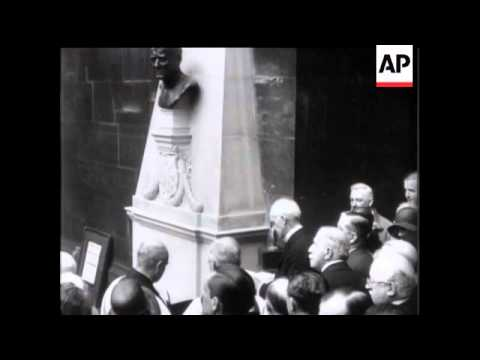 Bust Unveiled to Lord Northcliffe In Fleet Street
