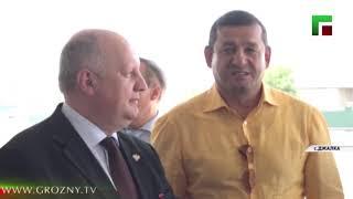 Рамзан Кадыров и Сергей Чеботарев осмотрели строящуюся школу в селе Джалка