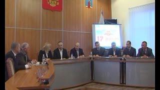 Феодосийские власти будут вести поиск вандалов, уничтоживших уличные гирлянды(, 2016-12-13T13:23:59.000Z)