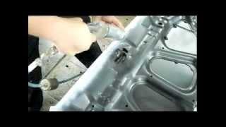 нанесение герметика(Мой способ нанесения герметика на вальцовку детали автомобиля., 2012-12-27T22:21:48.000Z)